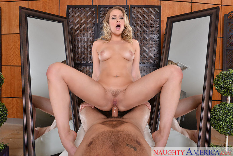 VIRTUAL REALITY – MIA MALKOVA, DANNY MOUNTAIN – Naughty America