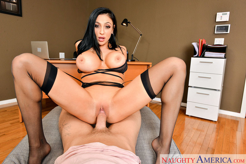 VIRTUAL REALITY – AUDREY BITONI & DYLAN SNOW – Naughty America