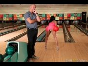Valerie Kay – Bowling For The Bachelor – Brazzers Exxtra