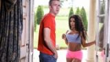 Kiki Minaj – Nude To The Neighborhood – Brazzers Exxtra