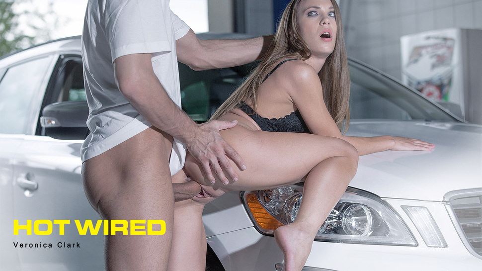 Hot Wired – Babes – Veronica Clark – Babes