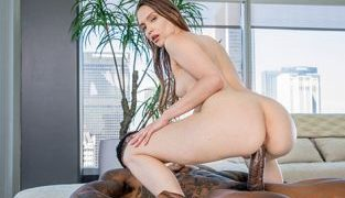 Blacked – Izzy Lush The Second I Saw Him