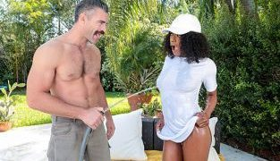RealityKings – Evi Rei Wet Me Down RoundAndBrown
