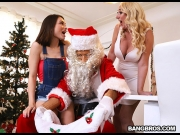 Janna Hicks, Liv Wild – Santa is Cuming to Town – Big Tits Round Asses   – Brazzztube