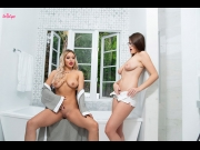 Kylie Page, Michele James – Bathing Beauties   – Brazzztube