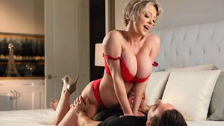 Dee Williams – Step Mom Dee Loves A Hot Mess  – Brazzztube