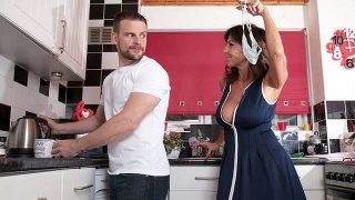Tara White – A creampie for Step Mom  – Brazzztube