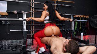 Spotting Her Ass Romi Rain & Xander Corvus – Brazzztube